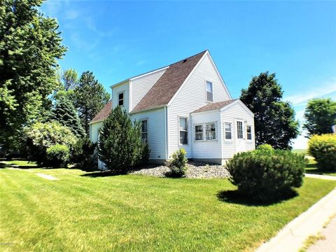 11 4th St, Echo, MN 56237