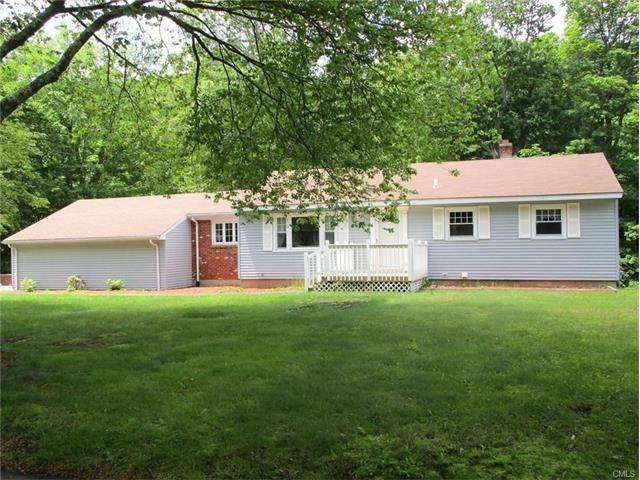 380 Toll House Ln, Fairfield, CT 06825