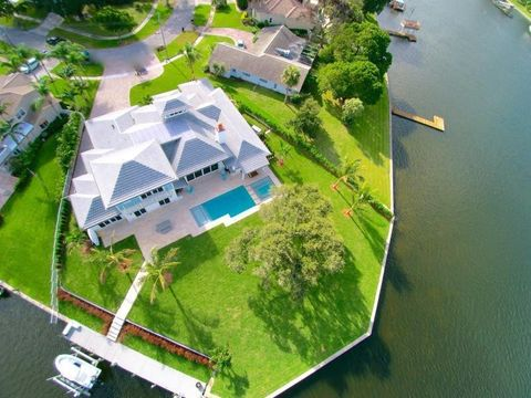 2173 Radnor Ct, North Palm Beach, FL 33408