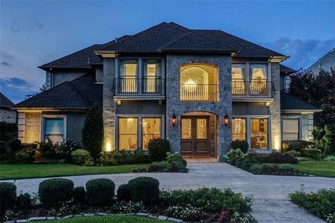 Dallas  TX Homes with special featuresDallas  TX Real Estate   Dallas Homes for Sale   realtor com . Four Bedroom Houses For Rent In Dallas Tx. Home Design Ideas
