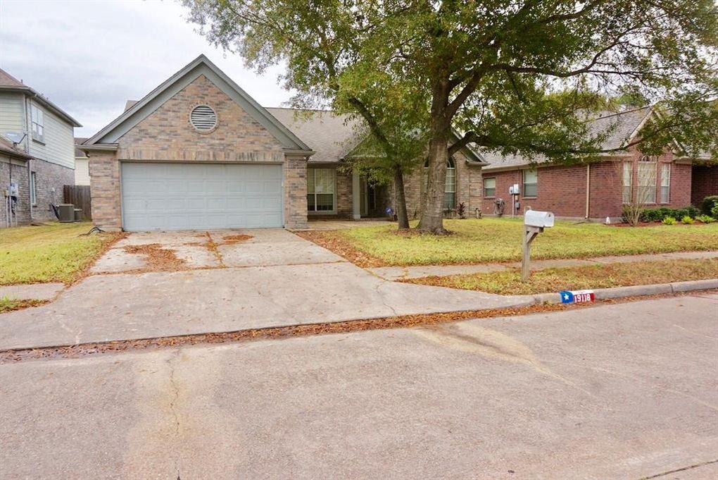 19118 Forest Trace Dr, Humble, TX 77346