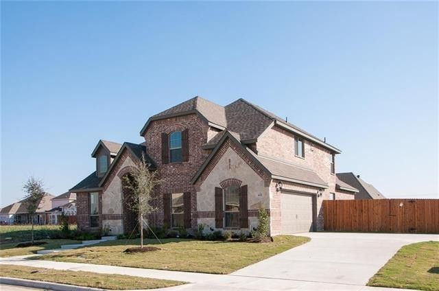 108 Sweetleaf Dr, Red Oak, TX 75154