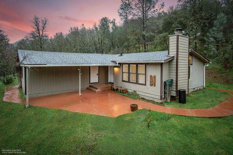 18985 Dotties Pl, Grass Valley, CA 95949