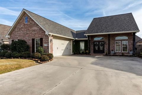 Photo of 3570 Canyon Ln, Beaumont, TX 77713