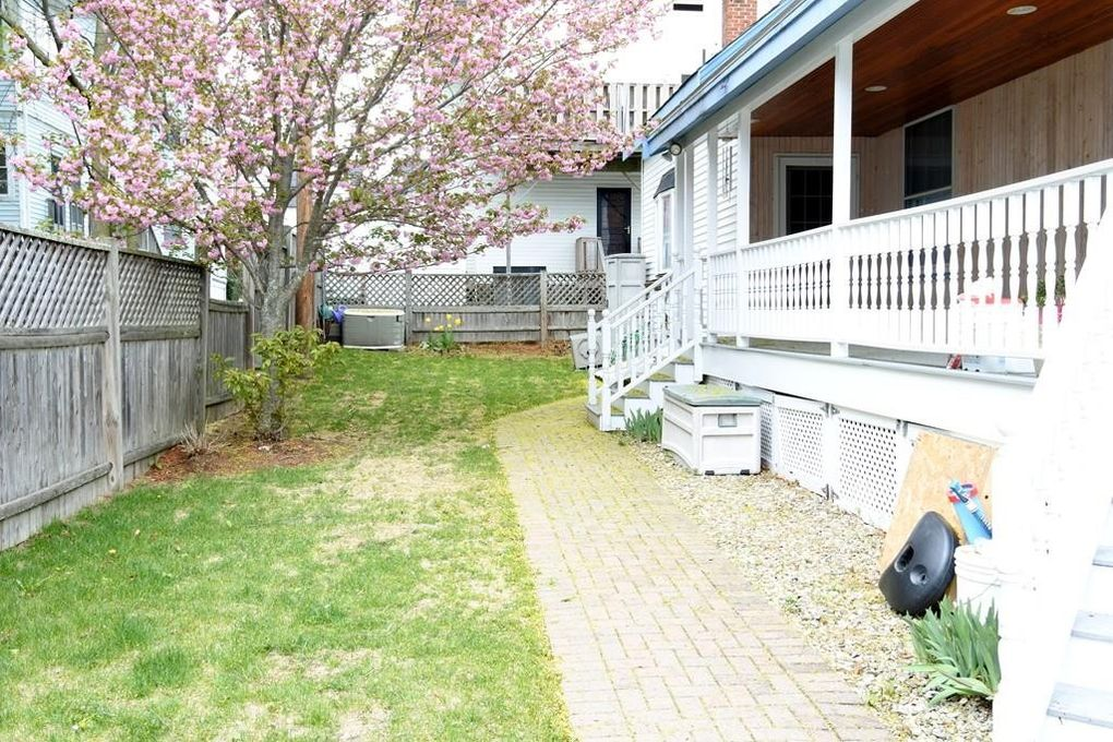 68 Albion St, Melrose, MA 02176