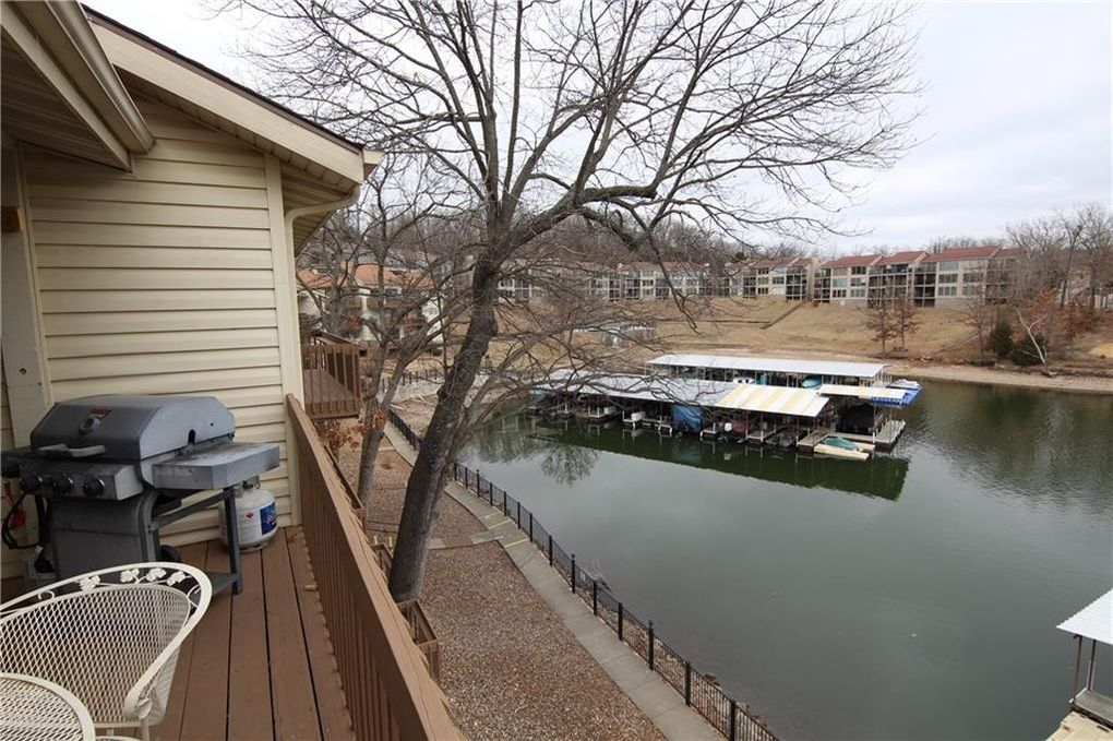 lake ozark single guys Conveniently located in the heart of missouri, the lake of the ozarks is the midwest's premier lake resort destination, offering world-class boating, golfing, shopping and fishing, and a wide variety of lodging, restaurants, state parks, and other recreational activities to suit any budget and taste.