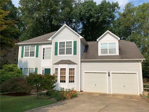 Photo of 172 Foxtail Dr, Mooresville, NC 28117