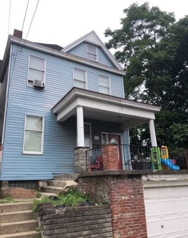 Photo of 28 Allen St, Pittsburgh, PA 15210