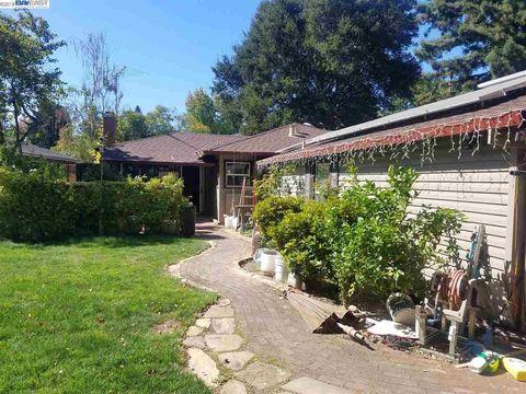 16 Greenwood Pl, Menlo Park, CA 94025