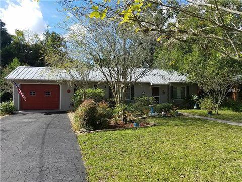 Photo of 817 N Alexander St, Mount Dora, FL 32757
