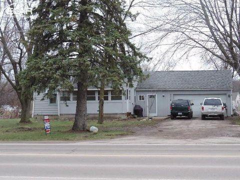 8314 Silver Lake Rd, Linden, MI 48451