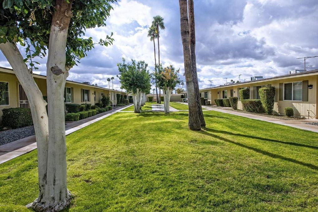 10901 W Santa Fe Dr, Sun City, AZ 85351