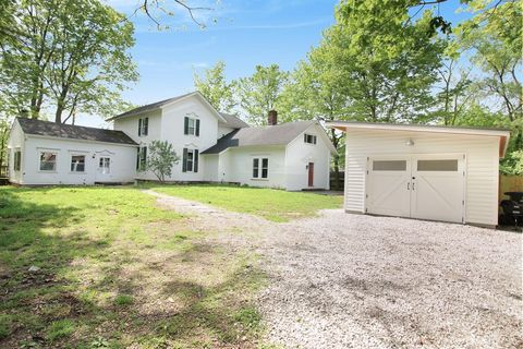 Photo of 1460 Pear Rd, Ann Arbor, MI 48105