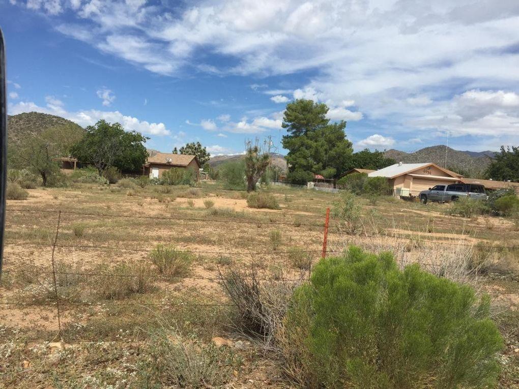 W Cactus Wren Ln, Congress, AZ 85332