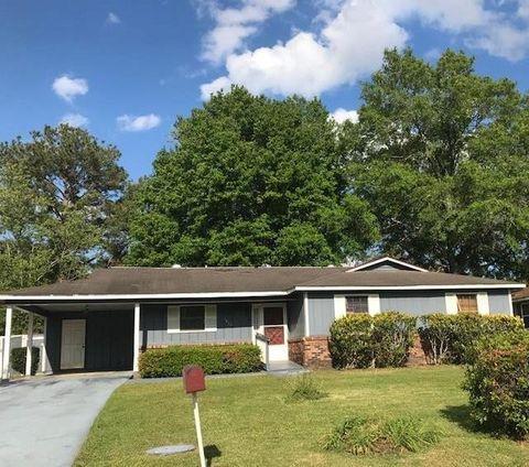 Photo of 1611 Charter Oaks Dr, Valdosta, GA 31601