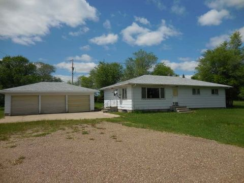 565 County 37 Rd, Stanton, ND 58571