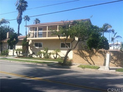 '602 15th St, Huntington Beach, CA 92648' from the web at 'https://ap.rdcpix.com/1963514503/8cd731c8fb8cf41e05f09ba3607c9117l-m0xd-w480_h480_q80.jpg'