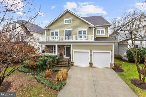 3318 Shepherd St, Chevy Chase, MD 20815