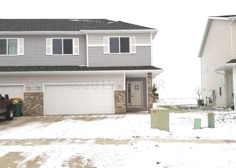 1343 4th St Nw, West Fargo, ND 58078