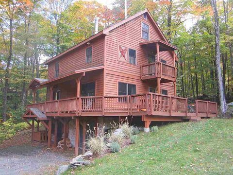 Photo of 33 Long Trail Dr, Fayston, VT 05673