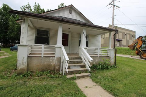 Photo of 908 Clarence St, Sarcoxie, MO 64862