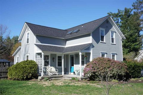 Photo of 16 River Rd, Colchester, VT 05446