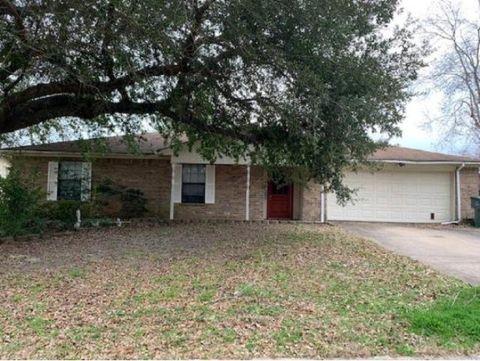 Photo of 808 Scarlet Oak St, Nacogdoches, TX 75964