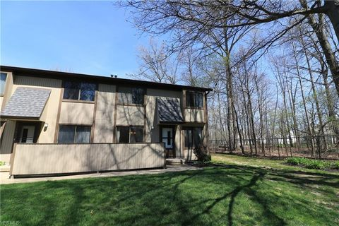 Photo of 35382 S Turtle Trl Unit 32 C, Willoughby, OH 44094
