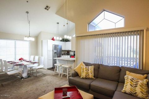 Photo Of 1633 E Lakeside Dr Unit 129 Gilbert Az 85234 Townhome For Rent