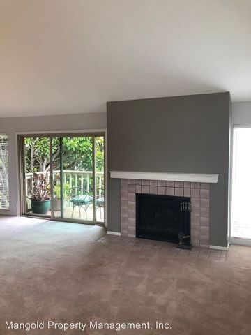 Photo of 1043 Highland St Apt E, Seaside, CA 93955