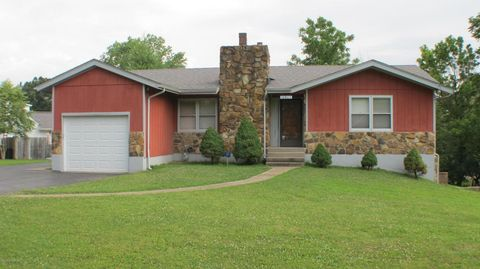 10805 Kay Dr, Louisville, KY 40118