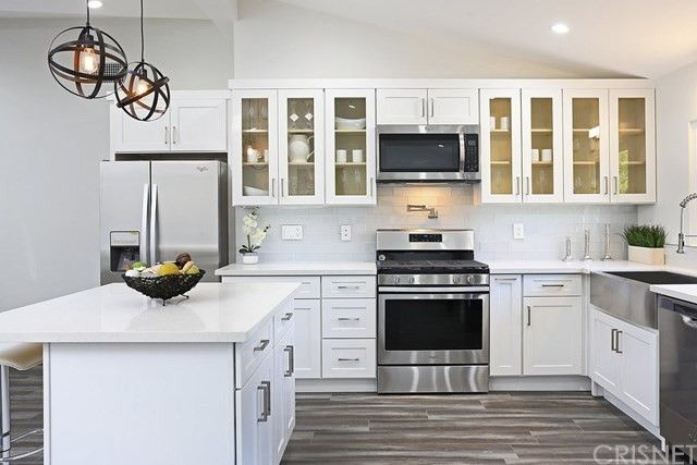 4805 Serrania Ave Woodland Hills, CA 91364