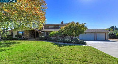 Photo of 2951 Vine Hill Rd, Oakley, CA 94561