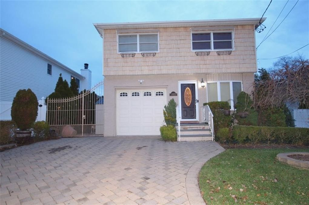 301 Chelsea St Staten Island, NY 10307
