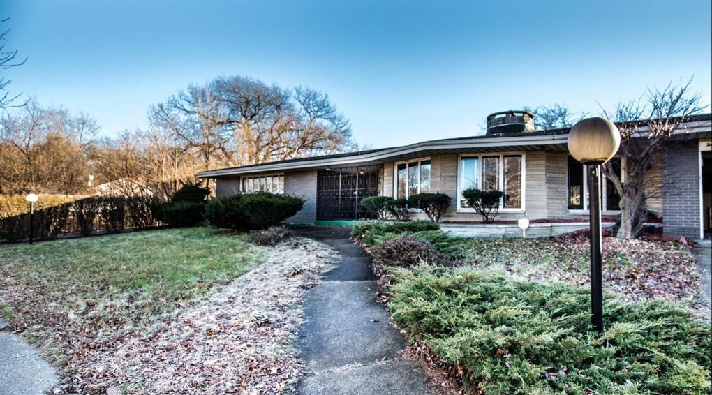 2931 W 19th Pl, Gary, IN 46404