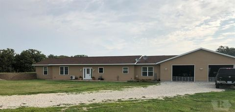 1074 240th Ave, West Point, IA 52656