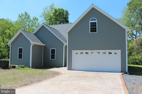 Photo of 39 Ashby Crest Ln, Fort Ashby, WV 26719