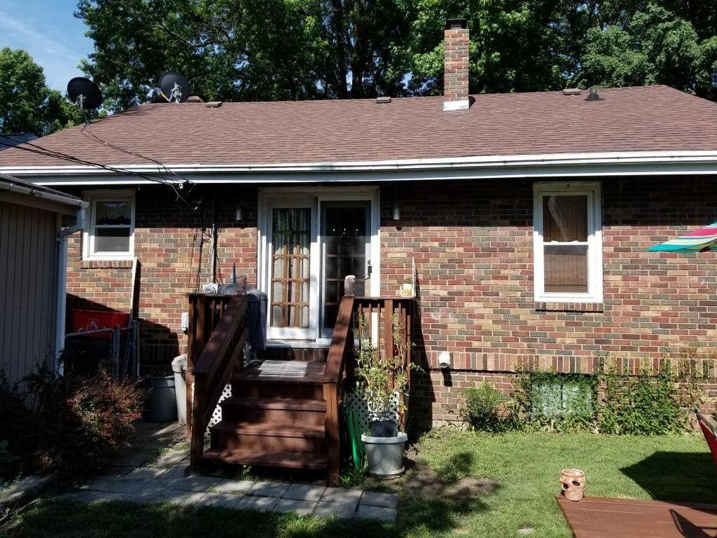 24 East Dr Decatur IL 62526 & 24 East Dr Decatur IL 62526 - realtor.com®