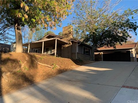 Photo of 30850 Emperor Dr, Canyon Lake, CA 92587