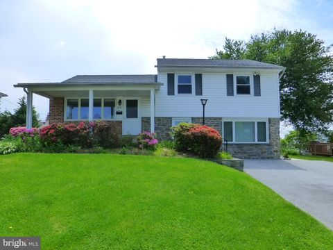 Photo of 371 Westbourne Dr, Broomall, PA 19008