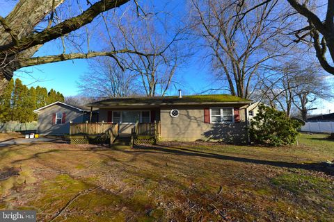 Photo of 18 Sycamore Rd, Pennsville, NJ 08070