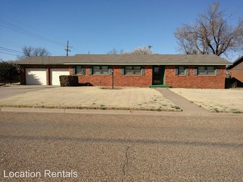Photo of 3010 W 19th St, Plainview, TX 79072