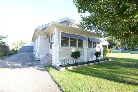 224 S 20th St, Decatur, IL 62521