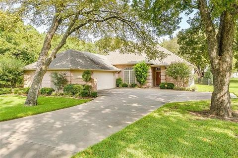 Joshua TX Homes With Special Features
