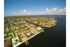 2340 Se 28th St, Cape Coral, FL 33904
