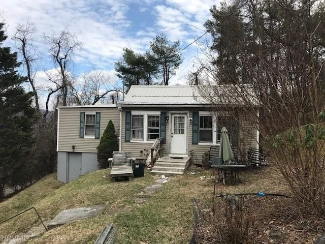 1720 Creasy Reynolds Ln Blacksburg, VA 24060