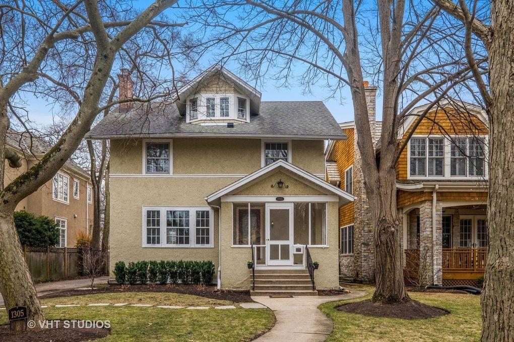 1305 Greenwood Ave, Wilmette, IL 60091