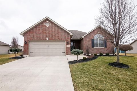 Photo of 688 Loxley Ln, Troy, OH 45373