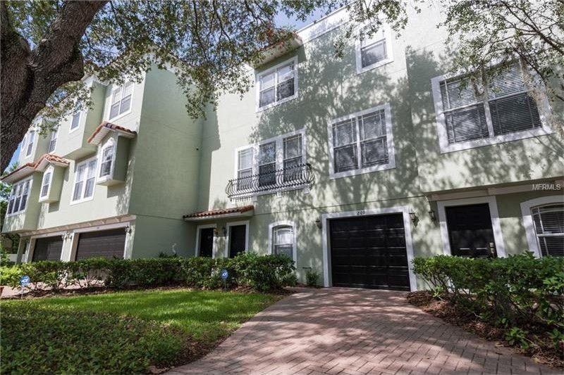 209 Rock Garden Pl, Tampa, FL 33609