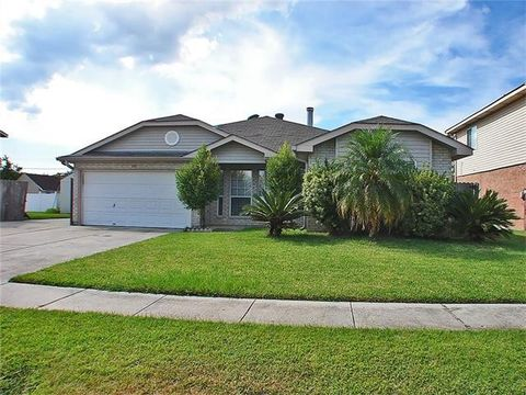 648 Oleander Ln, Waggaman, LA 70094